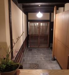 旅館 間 玄関